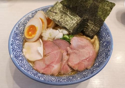 麺屋カモメ亭のラーメン