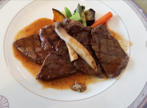 ポンヌフの肉料理