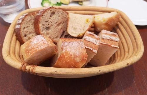 レスタミネエマのパン